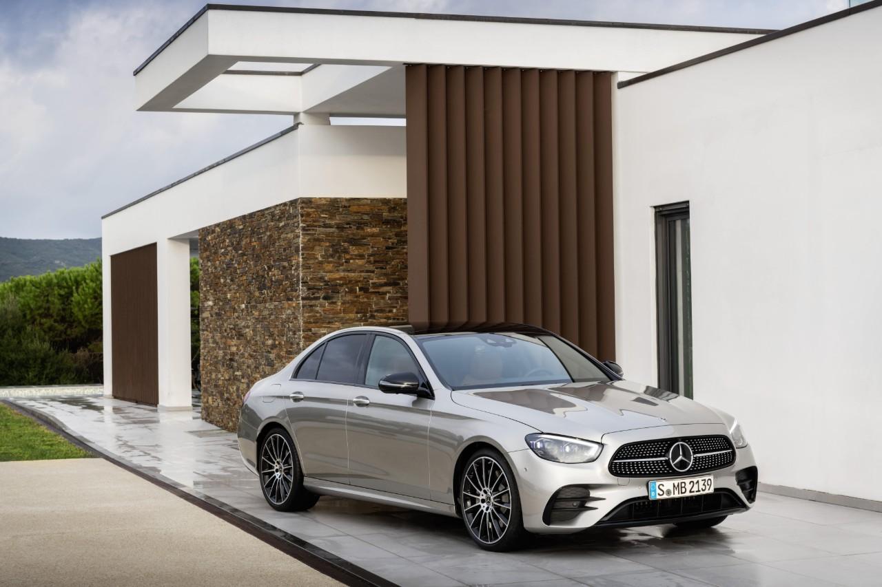 https://quadis.s3.amazonaws.com/GestorQuadis/Novedades/Mercedes-Benz_Clase%20E_41208/Mercedes-Benz-Clase-E-1.jpg
