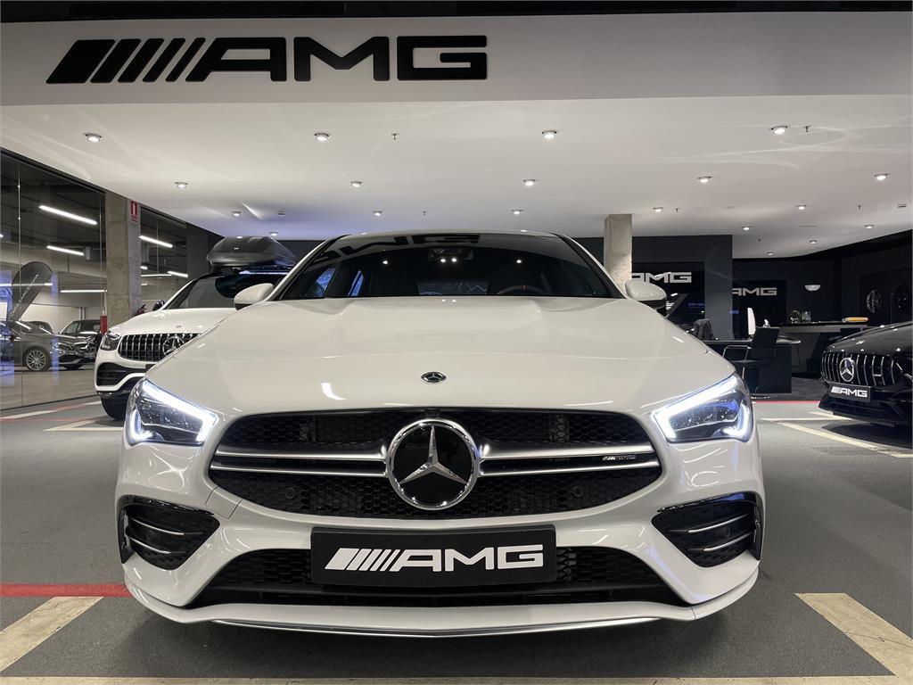 CLA Mercedes-AMG 35 4MATIC+ Shooting Bra-5149343