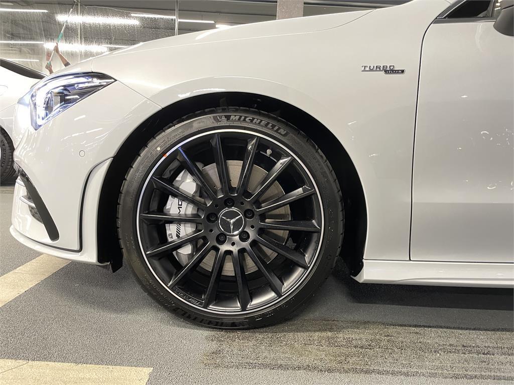 CLA Mercedes-AMG 35 4MATIC+ Shooting Bra-5149345