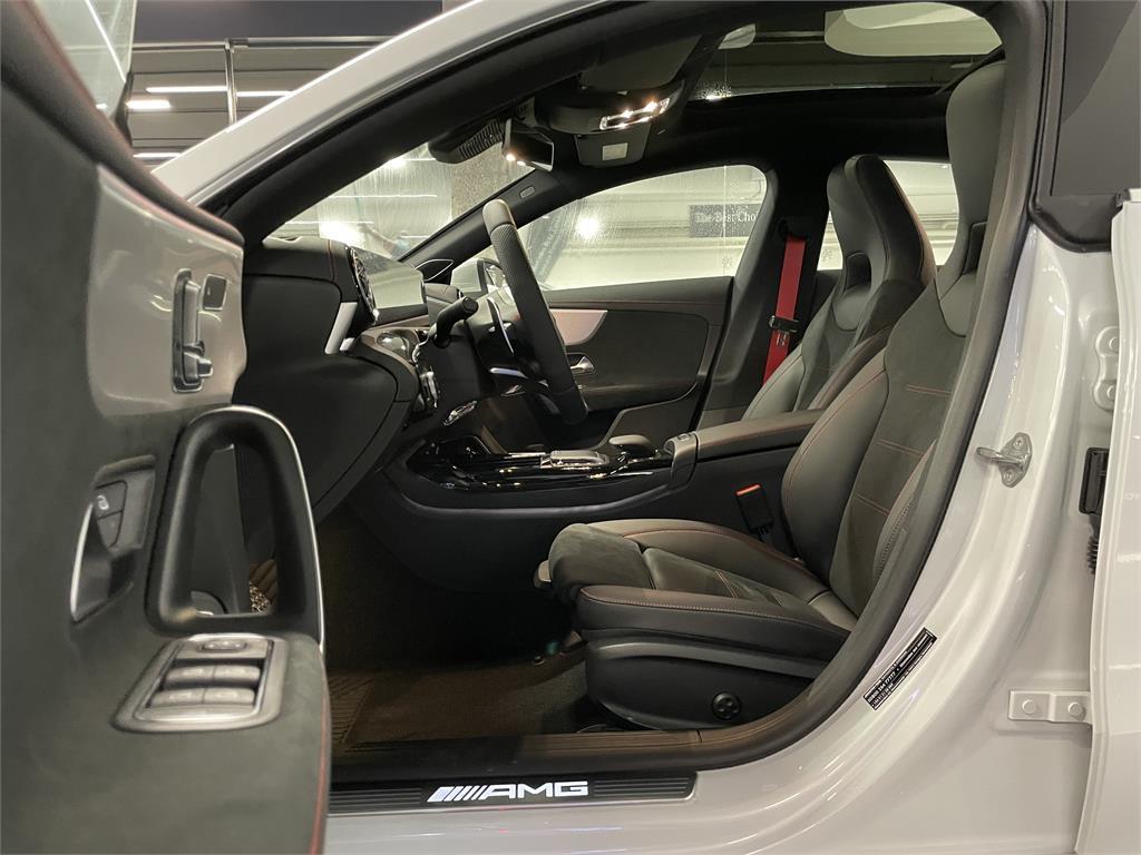 CLA Mercedes-AMG 35 4MATIC+ Shooting Bra-5149354