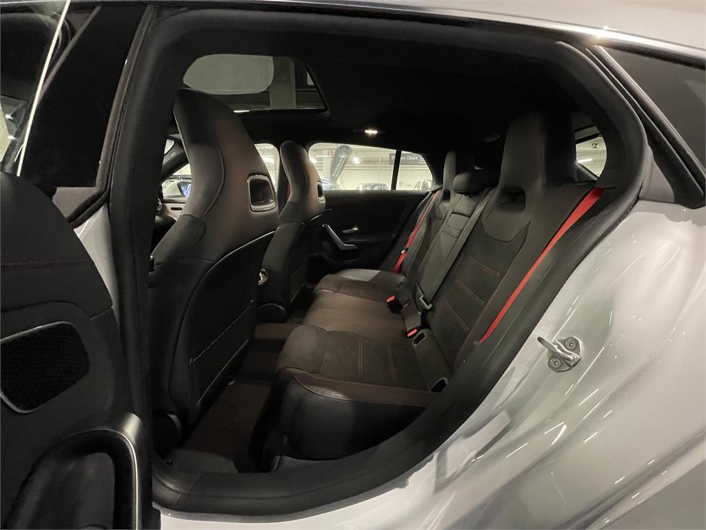 CLA Mercedes-AMG 35 4MATIC+ Shooting Bra-5149360