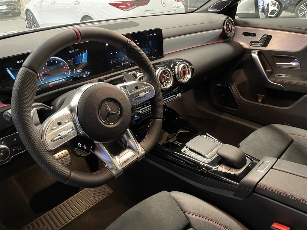 CLA Mercedes-AMG 35 4MATIC+ Shooting Bra-5149359