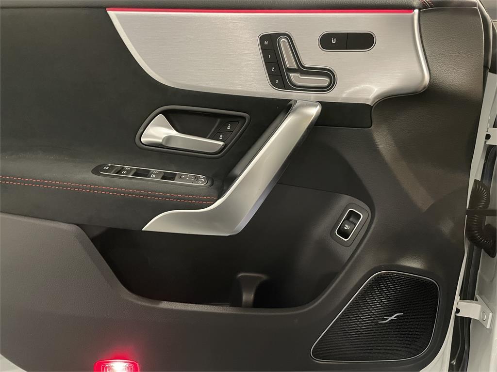 CLA Mercedes-AMG 35 4MATIC+ Shooting Bra-5149355