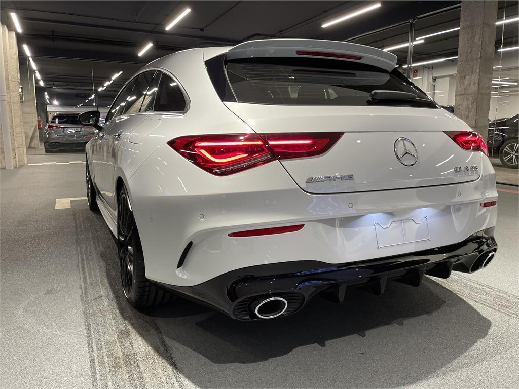 CLA Mercedes-AMG 35 4MATIC+ Shooting Bra-5149348
