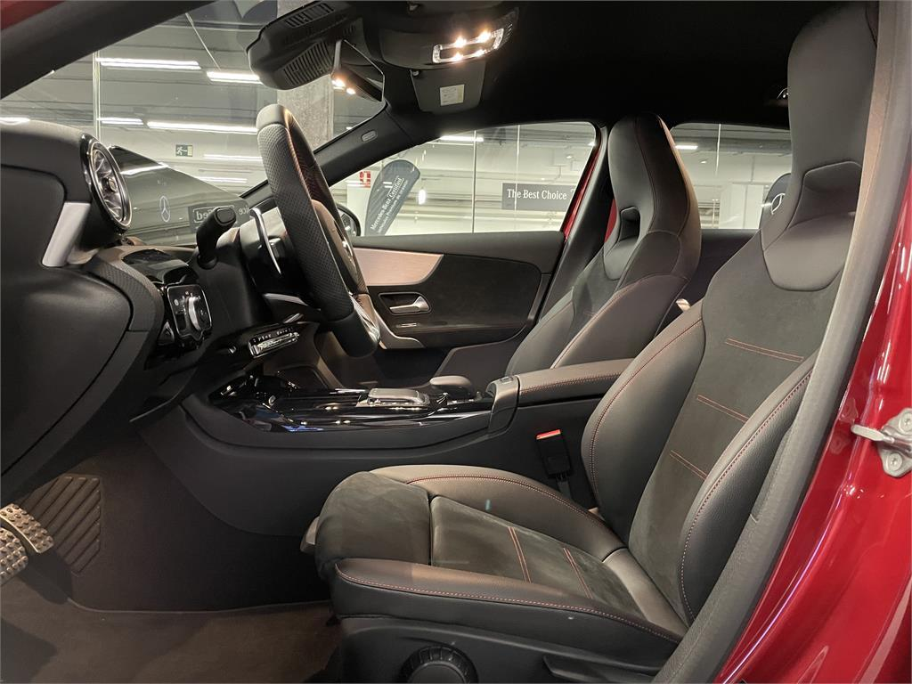 Mercedes-AMG A 35 4MATIC+-5425411